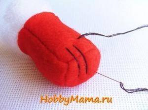 Вышивка деталей игрушки из фетра