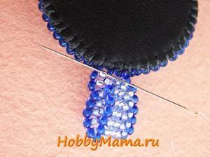 Кулон расшитый бисером с мозаичным плетением