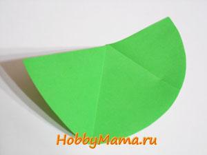 Елочка из цветной бумаги для новогоднего коллажа