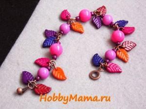 Летний браслет из бусин «Спелая ягодка»