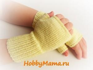 Описание вязания спицами детских митенок для девочки